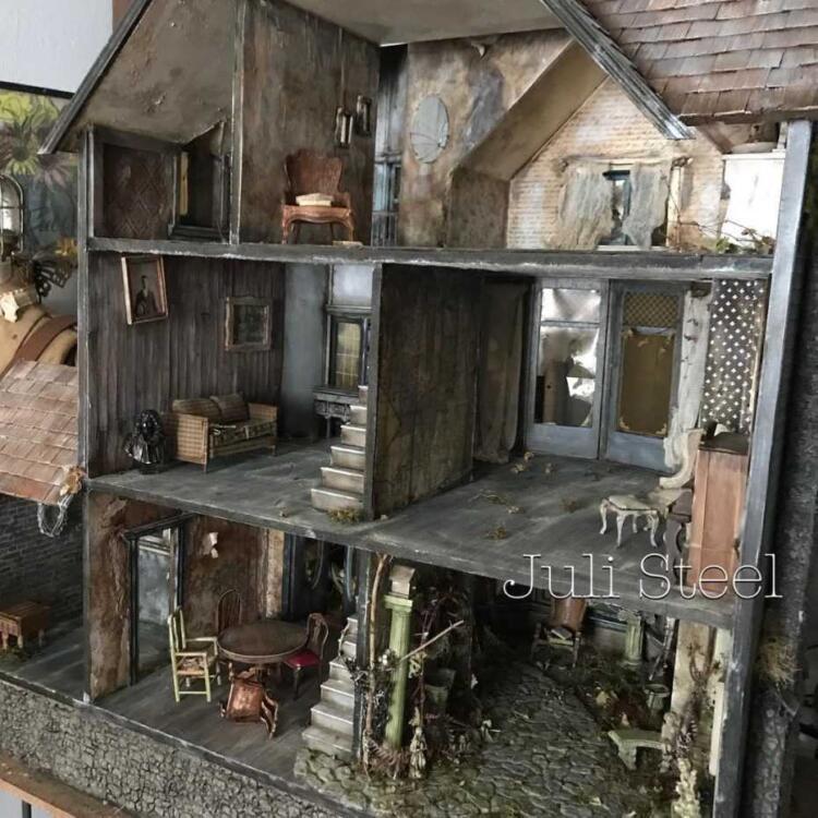 Das gruselige Puppenhaus für das perfekte Halloween